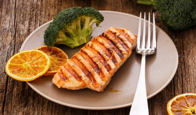 what to serve with grilled salmon